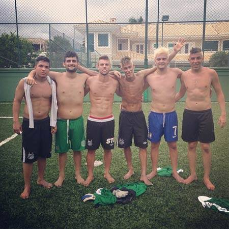 Santos planeja time recheado de amigos do craque Neymar