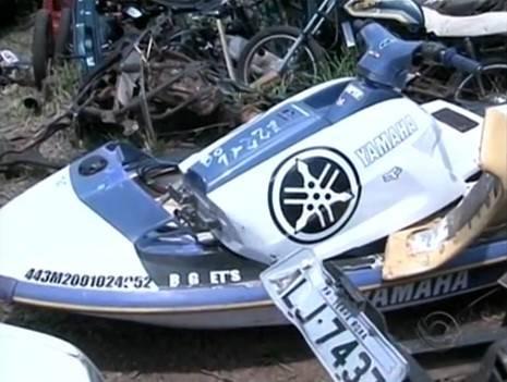 Jovem morre atropelada por moto aquática que se soltou de carro