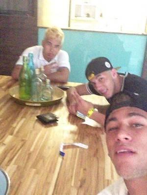 Após balada, Neymar
