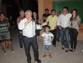 Elmano Férrer inaugura praça na zona norte de Teresina