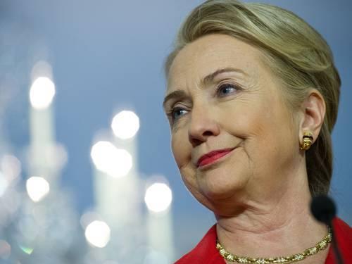 Hillary poderá ter recuperação completa de coágulo, diz boletim