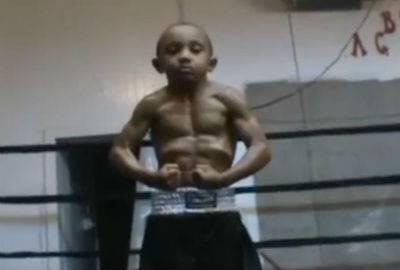 Musculoso, garoto é considerado â??o menino de cinco anos mais forte do mundoâ??; veja