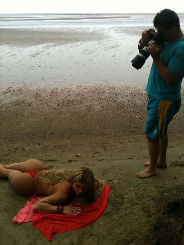 Veja as primeiras fotos da Miss Bumbum 2012 para a revista