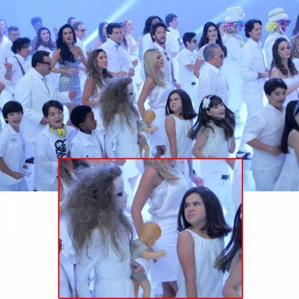 Menina-fantasma vira estrela e participa de gravação da vinheta de fim de ano do SBT