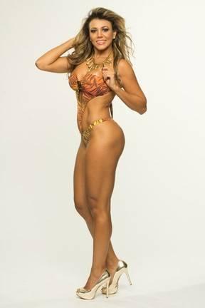 Ex-BBB Fabiana Teixeira mostra suas curvas em ensaio de biquíni