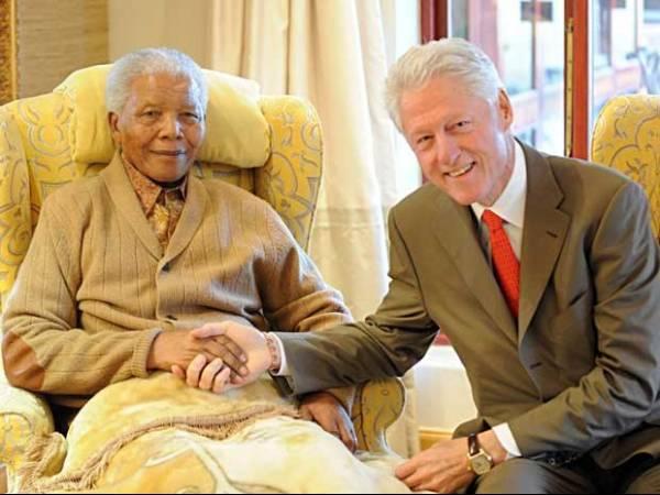 Nelson Mandela é hospitalizado para exames na África do Sul, diz governo