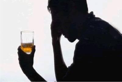 Hoje é celebrado o Dia do Alcoólatra Recuperado