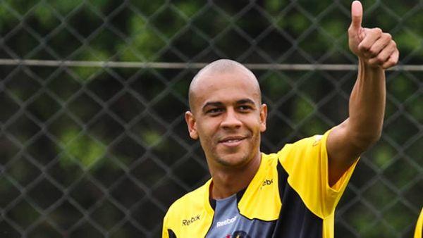 Alex Silva pode ser último reforço do Peixe para 1ª fase da Libertadores