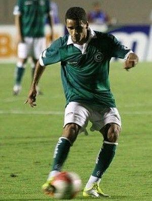 Tricolor aguarda exame de Douglas nesta sexta para assinar contrato