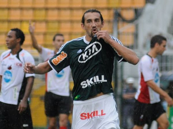 Palmeiras faz 3 x 0 no Ituano e dorme líder do Campeonato Paulista