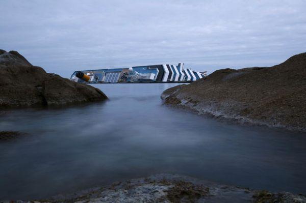 Combustível de cruzeiro naufragado começa a ser retirado na Itália