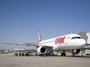Empresa aérea TAM tem prejuízo de R$ 335,1 milhões em 2011