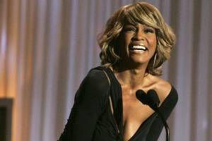 Funeral de Whitney acontecerá em igreja onde cantava na infância