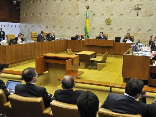 Com 4 votos a 1 pró Ficha Limpa, STF suspende julgamento