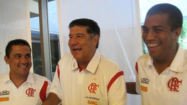 Joel Santana inicia nova era pela Libertadores: