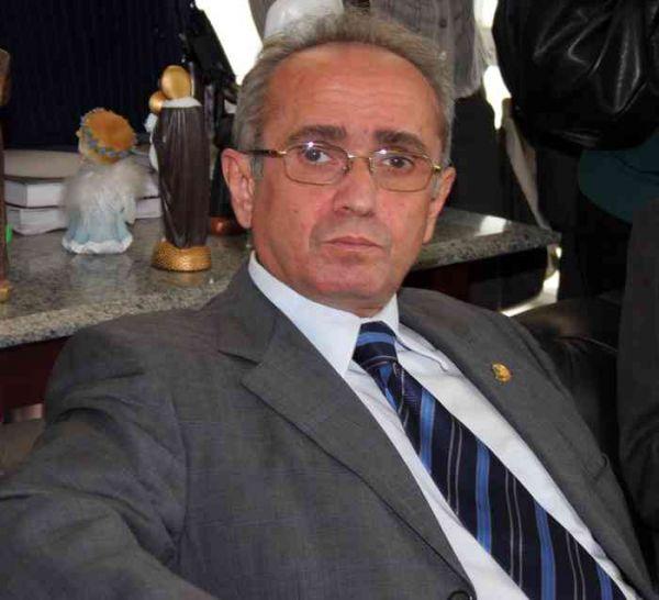 Paraíba: Senador tem assessora fantasma em seu gabinete