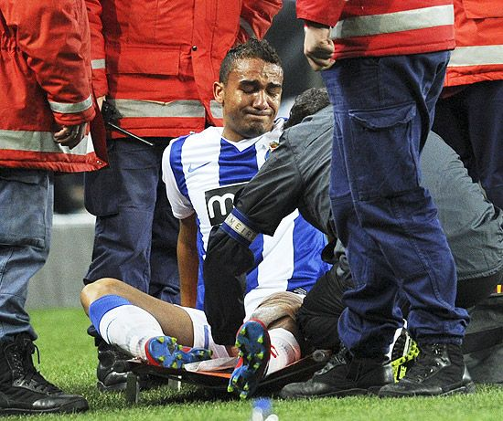 Lateral Danilo sofre lesão no joelho e vai desfalcar a seleção