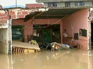 Enchentes deixam 5 distritos da Bolívia em alerta vermelho