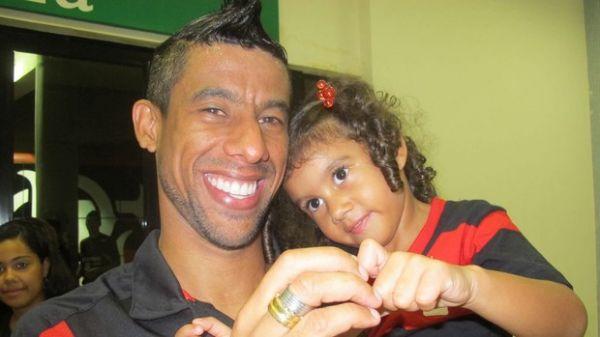 Léo Moura: fôlego, pernas para brilhar e corações para distribuir