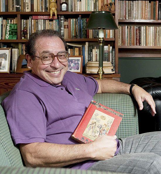 Escritor Ruy Castro deixa o CTI e espera por cirurgia ortopédica
