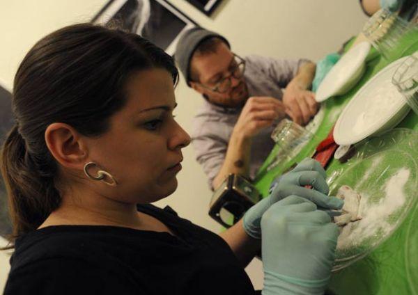 Em curso de taxidermia, alunos empalham ratos em Nova York