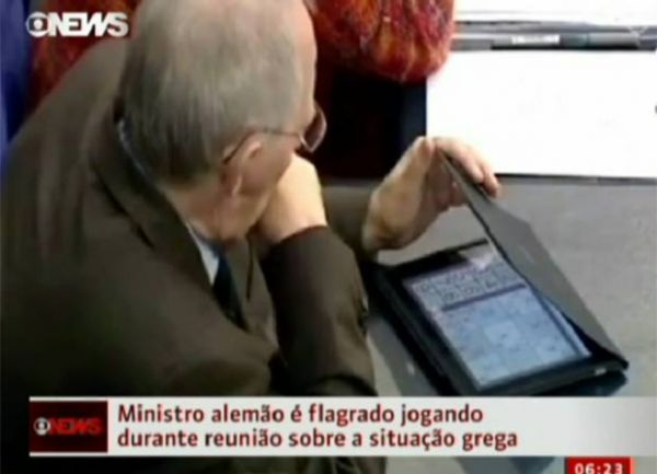 Ministro alemão é flagrado jogando sudoku durante reunião sobre Grécia