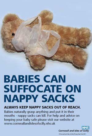 Após sufocamento de bebês, Reino Unido alerta para risco de sacos para fralda