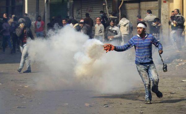 Após tragédia em estádio, Egito registra novos confrontos