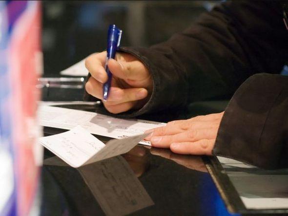 Cheque sem fundo sobe em janeiro na comparação com 2011