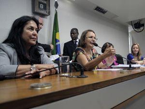 Congresso instala CPI para investigar violência contra mulheres