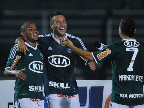 Palmeiras sofre, mas derrota o XV  de Piracicaba e é líder