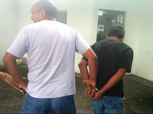 Preso acusado de estuprar sobrinha e enteada de oito anos