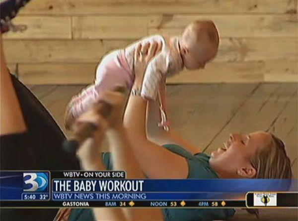 Mães usam bebês como pesos em aula em academia nos EUA