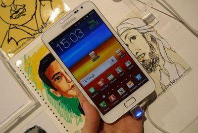 Smartphones da LG e Samsung misturam celulares e tablets; foto - Imagem 2