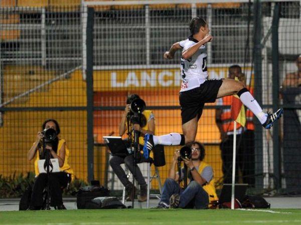 Corinthians sofre mas arranca virada no fim contra o Catanduvense
