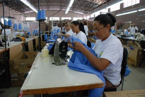 Criação de empregos no Brasil deve ter ritmo menor já em 2012