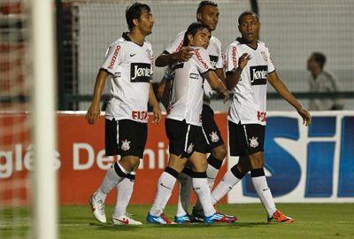 Líder, Corinthians apenas empata com Guarani em 1x1