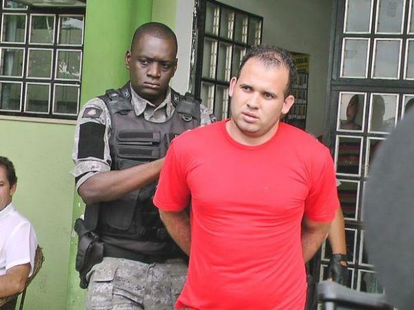 Caso Bruno: advogado abandona defesa de Macarrão