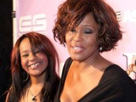 Filha de Whitney Houston diz que sente a presença da mãe
