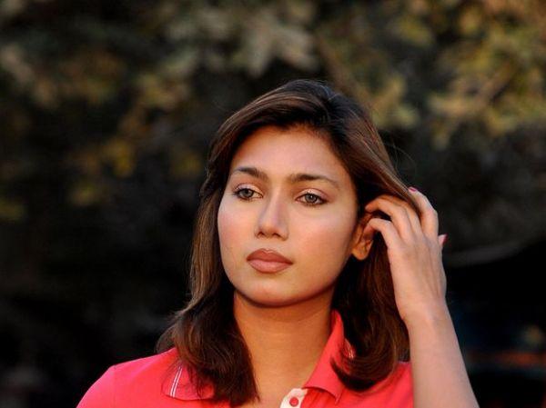 Ex-candidata a Miss é acusada de manipular jogos de críquete