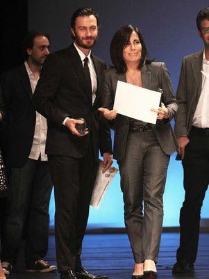 Gabriel Braga Nunes e Glória Pires recebem prêmio em São Paulo