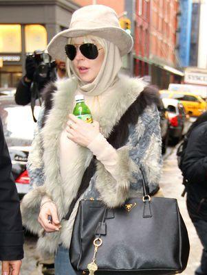 Lindsay Lohan teria atropelado homem ao sair de boate