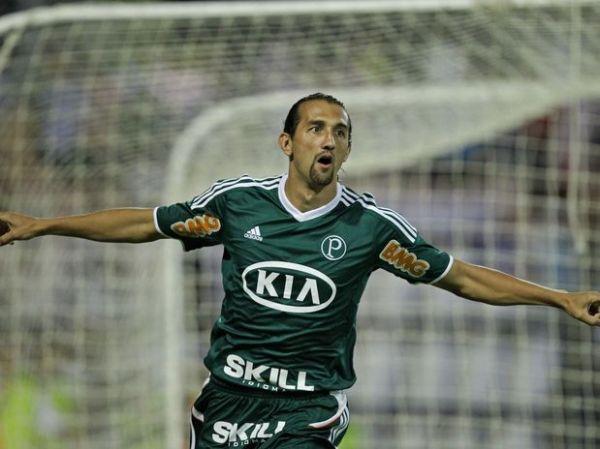 Palmeiras vence o Coruripe sem brilho e adia definição