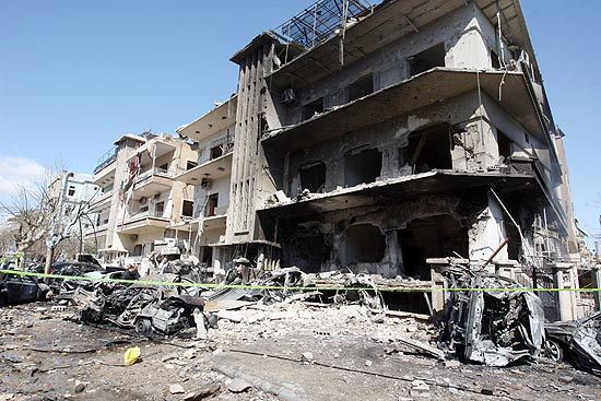 Duplo atentado mata pelo menos 27 pessoas na Síria; 97 ficaram feridos
