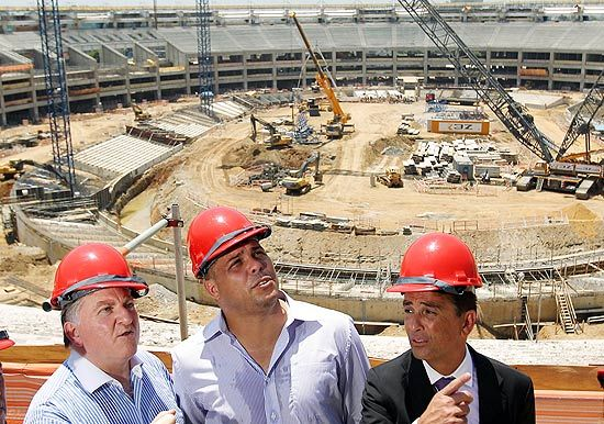 Só 3 estádios ficarão prontos para a Copa das Confederações