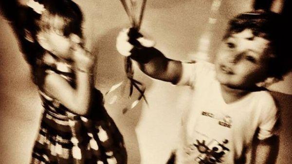 Ticiane e Roberto Justus brinca com o filho de Cláudia Leitte