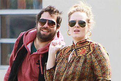Cantora Adele está noiva e se casa ainda este ano, revela site