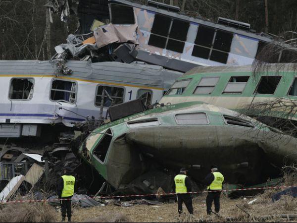 Acidente entre dois trens deixa 15 mortos na Polônia