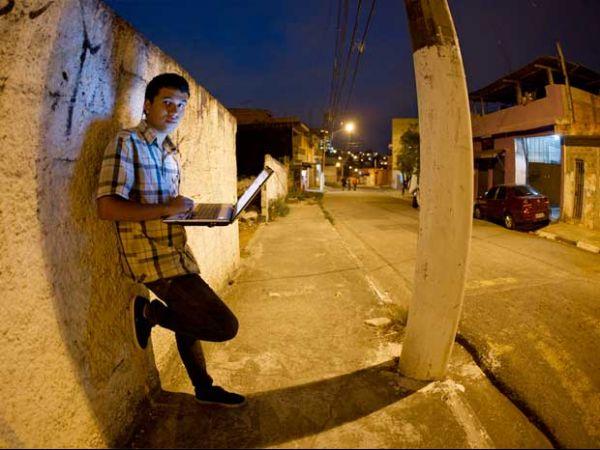 Comércio na web fatura R$ 2,7 bilhões em 2011, segundo o IBGE