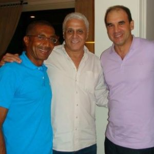 R. Gomes diz ter apoio da família para voltar e exalta Dedé: